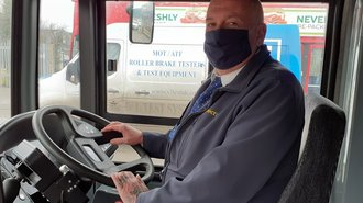 Photo of a Konectbus driver wearing a face mask